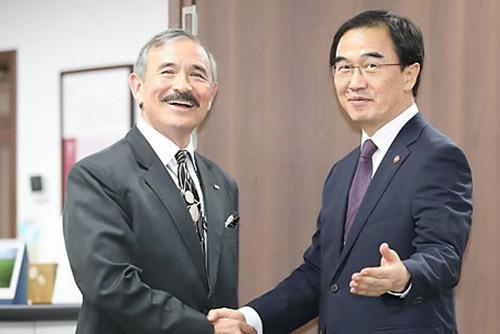 駐韓米大使 統一部長官を表敬訪問