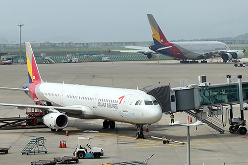 국토부, '기체결함' 아시아나항공 특별점검 착수