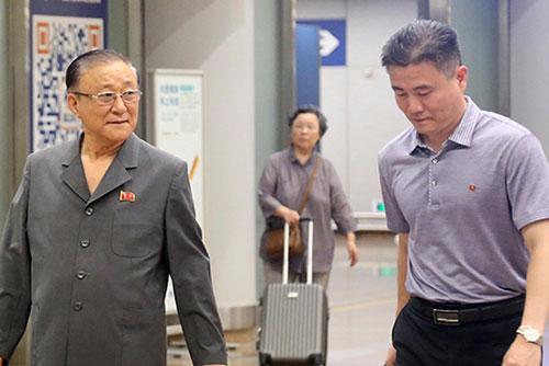 '북한귀국' 지재룡 주중 북한 대사 베이징 복귀