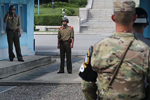 Military to Push for Troop Pullout from DMZ Guard Posts on Trial Basis