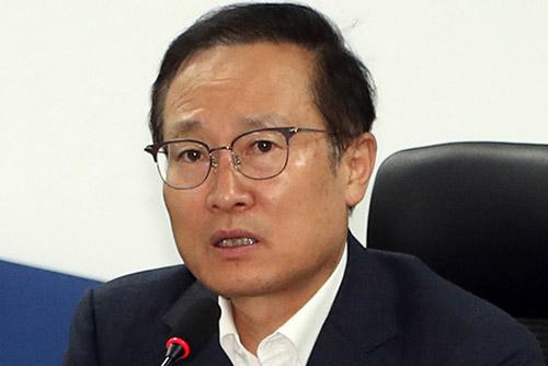 """홍영표 """"김선수 대법관 후보 적임자 …반드시 통과돼야"""""""