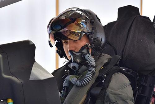 공군, 첫 스텔스 전투기 F-35A 미국 현지 비행 성공…6대 인수