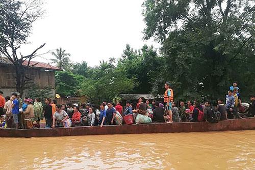 """외교부 """"라오스 댐 붕괴 사고, 확인된 국민 피해 없어"""""""