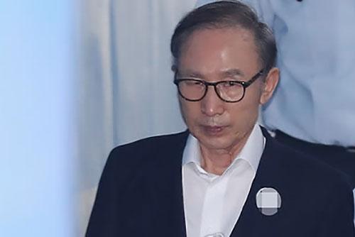 """국정원 전 실장 """"'특활비 상납' 문제 제기했지만 MB 묵살"""""""