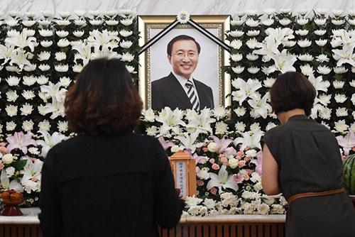 고 노회찬 장례식, 사흘 정의당장·이틀은 국회장으로 치르기로