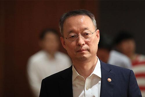 """백운규 """"원전 정비일정은 최근 전력수급 상황과 무관"""""""