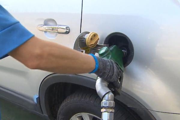 Цены на автомобильное топливо растут в РК шесть недель подряд