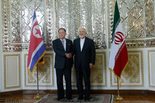Außenministertreffen zwischen Nordkorea und Iran nach Wiedereinführung von US-Sanktionen