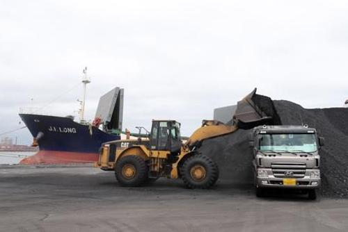 정부, 북한 석탄반입 선박 이르면 금주 입항금지 조치