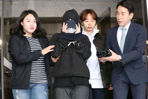'편파수사 규탄집회' 촉발 홍대 몰카 피고인 1심시 징역 10개월