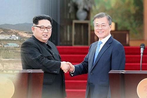 """북한 노동신문 """"남북 관계 개선, 제재 압박과 양립 불가"""""""