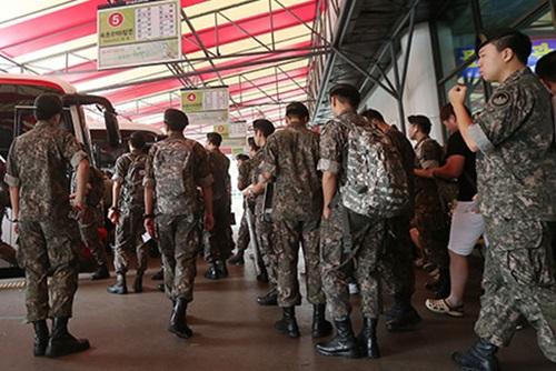Kemenhan Korea Selatan Akan Menguji Coba 'Sistem Keluar' pada Beberapa Unit Militer