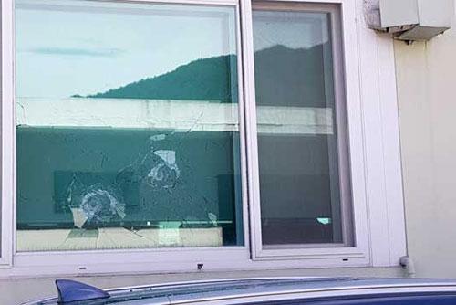 봉화 소천면사무소에서 70대 엽총 발사...공무원 2명 사망