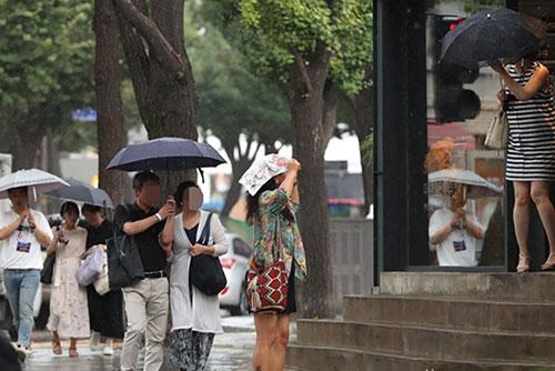 Lluvias en Jeju por los efectos del tifón Soulik