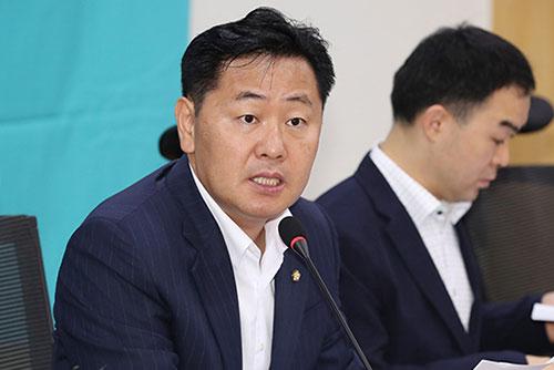 """김관영 """"공공기관 퇴직자 재취업 행태 전수 조사해야"""""""