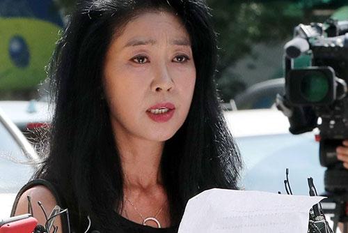 김부선, 경찰 조사 '연기 요청'