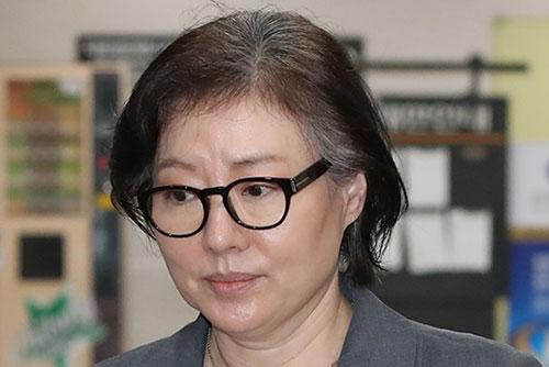 """법원 """"신격호 사실혼 서미경 모녀 회사, 롯데 계열사 아니다"""""""