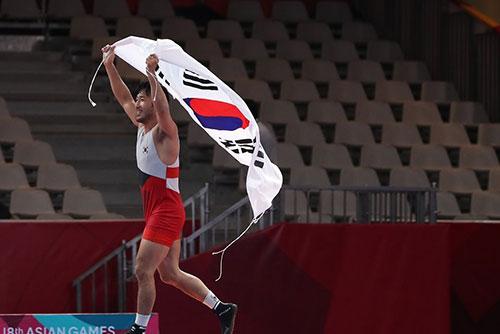 アジア大会4日目 レスリング・テコンドー金メダル