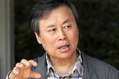 """도종환 장관 """"DMZ 세계문화유산 등재 검토…평화구역으로"""""""