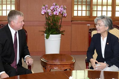 비건 미 대북대표,외교부 찾아 비핵화 평화체제 협의