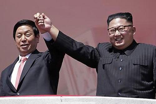 김정은, 중국 리잔수에 단독공연·연회 마련…연일 북중친선 부각