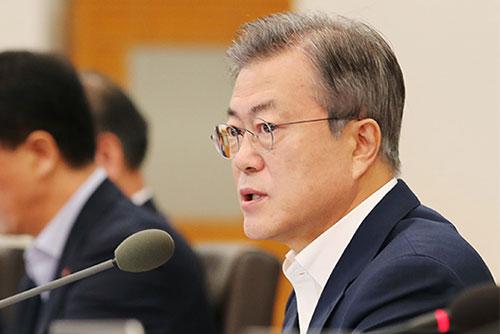"""문 대통령 """"제발 당리당략 거둬달라...북미 대화 조속 재개 기대"""""""