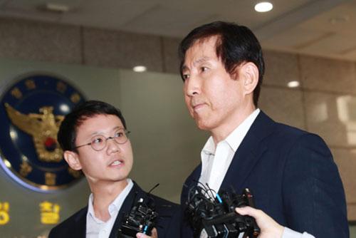 استجواب رئيس هيئة الشرطة السابق مجددا في اتهامات بعمليات سايبرانية