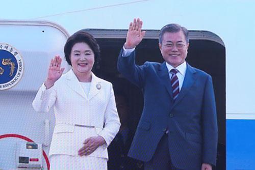 Moon Jae-in s'envole pour Pyongyang