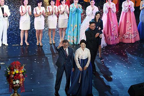В октябре в РК выступят северокорейские артисты