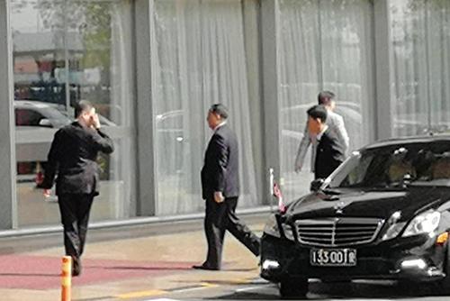 北韓の李容浩外相がNY着 異例の警察エスコート