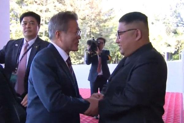 平壌南北首脳会談、83%が評価 KBS世論調査