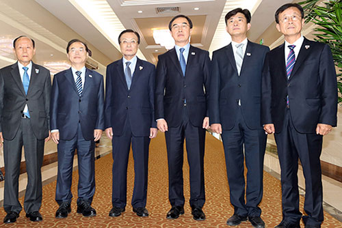 S. Korean Delegation Arrives in Pyongyang for Summit Anniversary Event