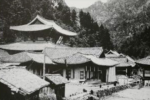 Les deux Corées conviennent de restaurer ensemble un temple aux monts Geumgang