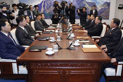 الكوريتان تبدآن ربط السكك الحديدية بينهما في أواخر نوفمبر