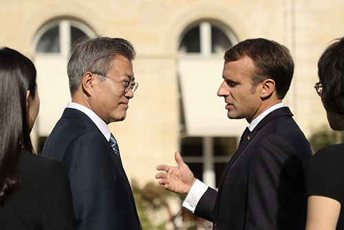 文大統領 欧州歴訪中、対北韓制裁緩和に言及