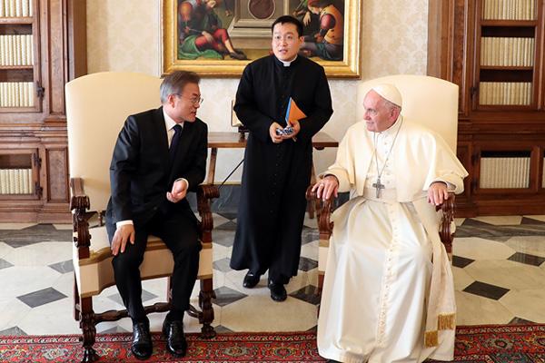 Tổng thống Hàn Quốc đề nghị sự ủng hộ của Tòa thánh Vatican trong vấn đề hòa bình bán đảo Hàn Quốc