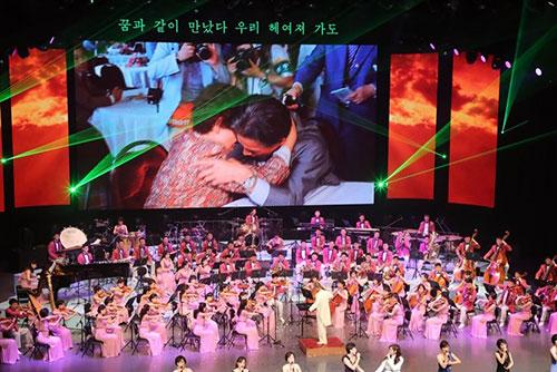 Северокорейские артисты выступят в РК в конце октября