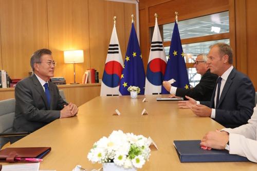 ベルギーでEU首脳と会談 文在寅大統領