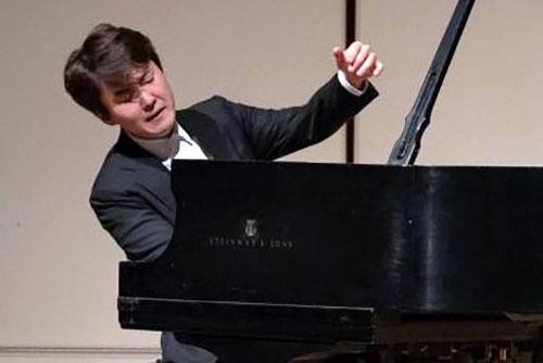피아니스트 조성진, 미국 클래식 매체에서 극찬