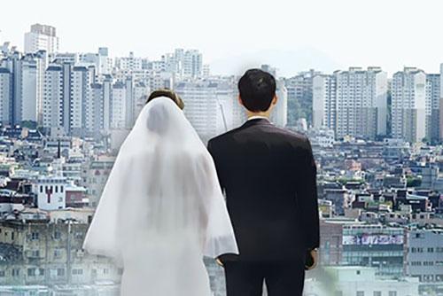 """""""결혼 해야한다"""" 미혼남녀 비율, 8년새 절반으로 '뚝'"""