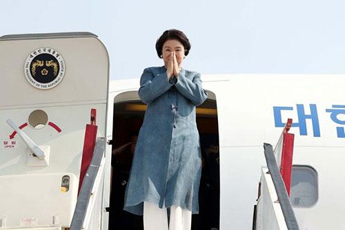La Première dame Kim Jung-sook achève son déplacement en Inde