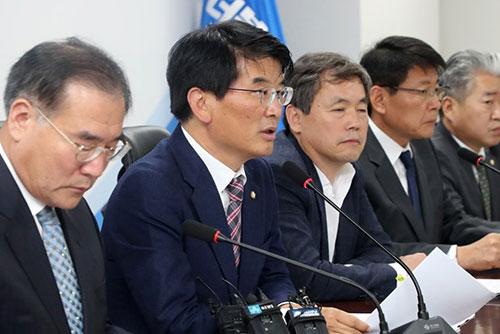 الحكومة والحزب الحاكم يقرران رفع السعر المستهدف للأرز