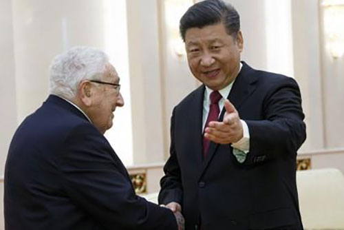 """시진핑, 키신저에 """"미·중 갈등 상호 양보로 풀자"""""""