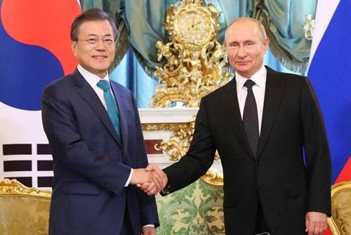 Визит президента России в РК будет обсуждаться после нормализации ситуации с COVID-19