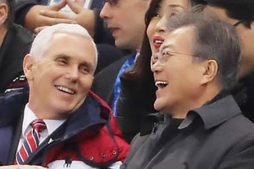 Moon wird in Singapur US-Vize Pence treffen und an ASEAN-Treffen teilnehmen
