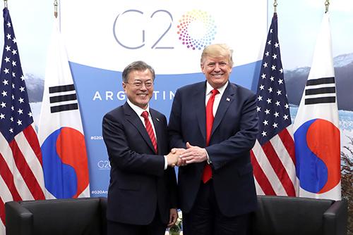 Moon und Trump wollen an Sanktionen gegen Nordkorea vorläufig festhalten
