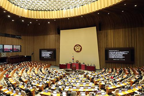 Parlement : le pouvoir et l'opposition d'accord pour ouvrir une session extraordinaire le 17 décembre