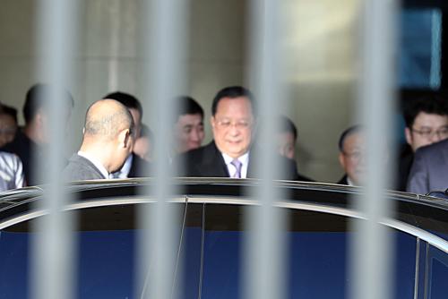 وزير خارجية كوريا الشمالية في زيارة إلى الصين
