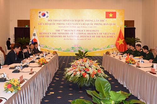 كوريا الجنوبية وفيتنام تعقدان محادثات استراتيجية دفاعية
