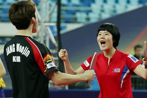 卓球・南北ペアが日本に勝利